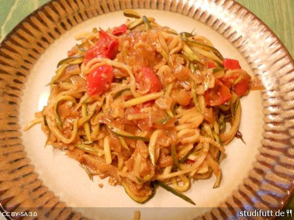 Zucchini als Spaghetti-Ersatz
